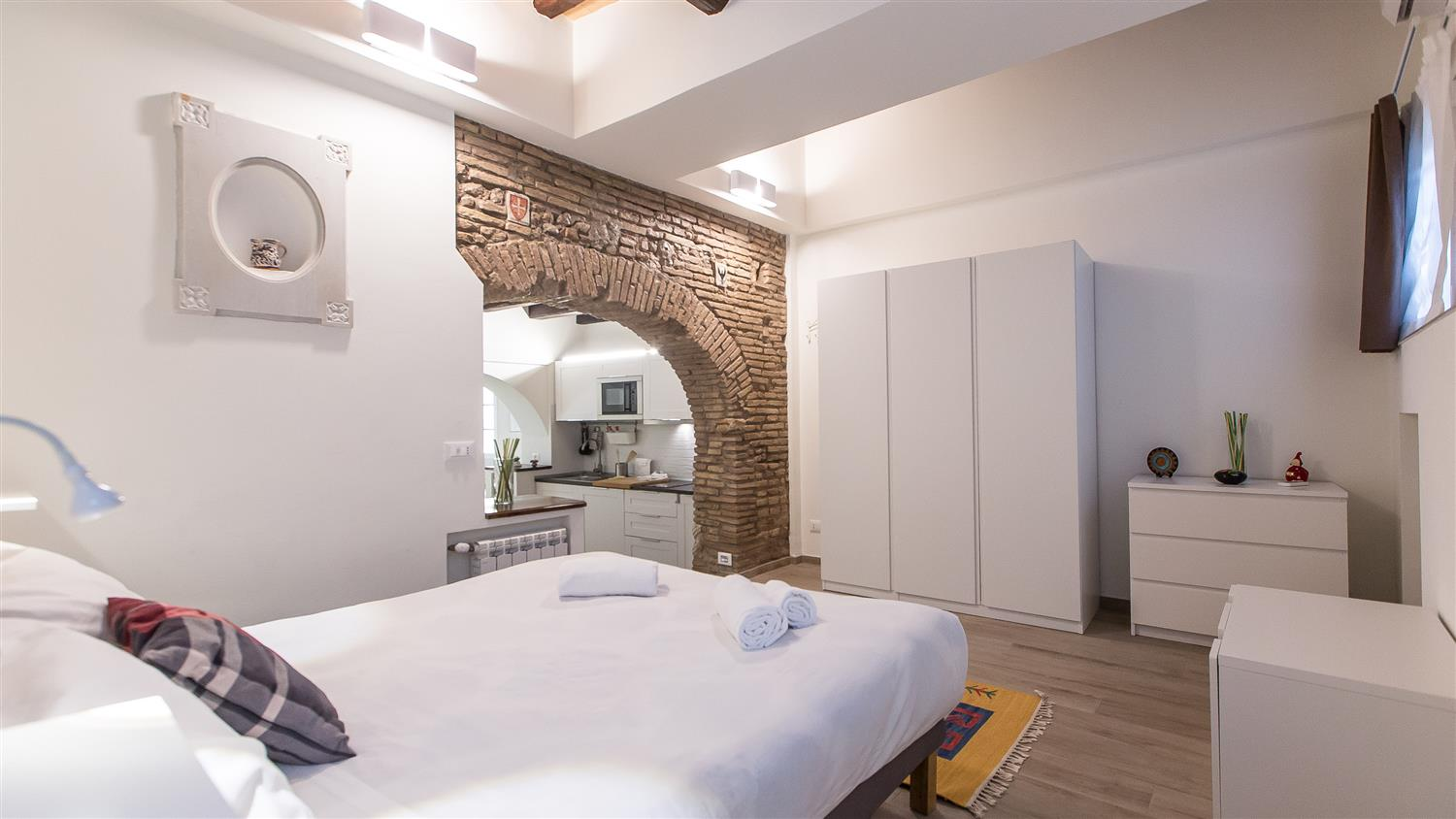 Trastevere White Apartment Rome